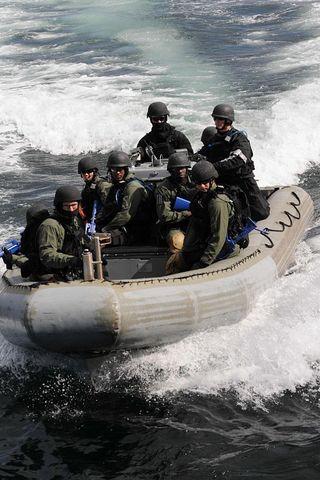 U.S. Agrees to Deliver Navy SEAL Boats to Kenya — One Week Ahead of Nairobi Blast