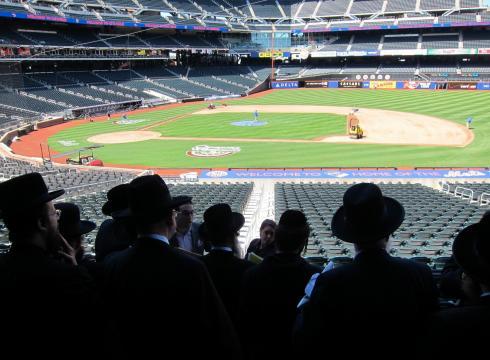Ultra-Orthodox Jews plan huge NYC meeting on Internet risks