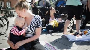 mom-fights-court-breastfeeding.si