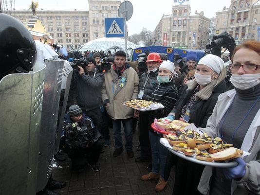 1386592813000-AP-Ukraine-Protest