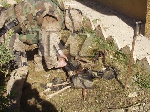 iraq-soldier-bodies-on-fire-marine-investigation-photos-01-480w