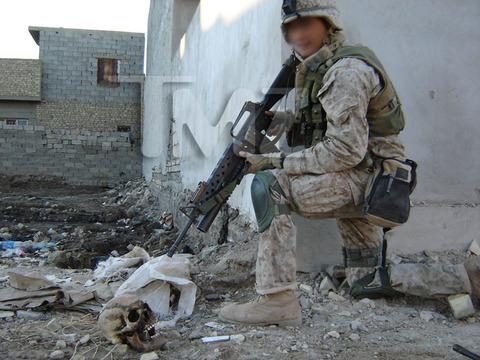 iraq-soldier-bodies-on-fire-marine-investigation-photos-07-480w