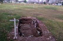 Eric-Garner-Grave_022730800869
