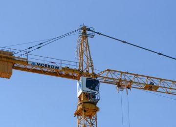 1 killed as crane smashes into Dallas apartment block due to storm