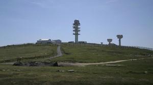 800px-base_militaire_de_pierre-sur-haute.si
