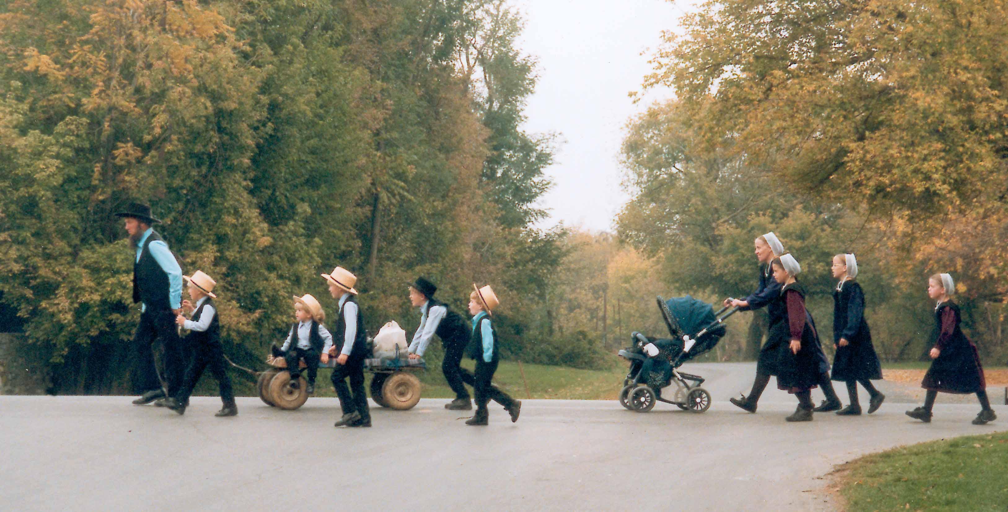 Do Amish pay taxes?