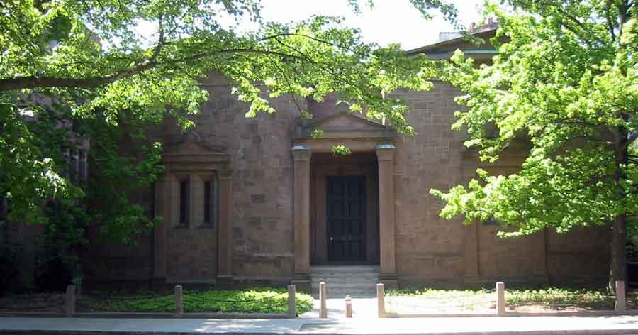 Illuminati Skull & Bones HQ Burglarized at Yale