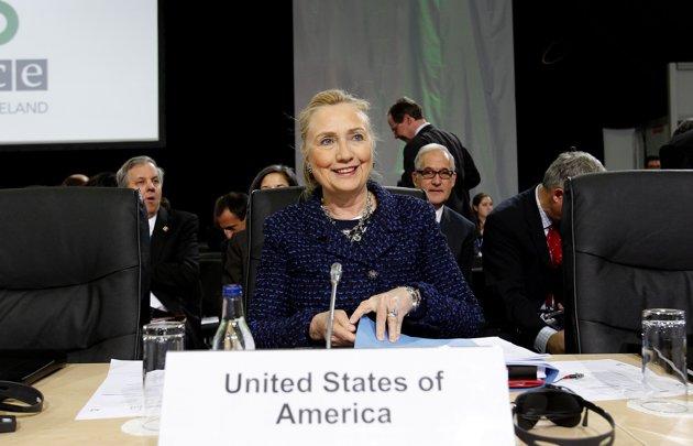 Clinton fears efforts to 're-Sovietize' in Europe