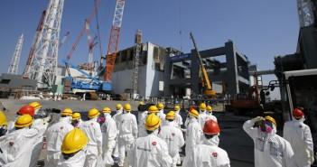 fukushima-nuclear-plant-disaster.si