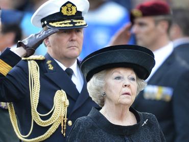 Dutch Queen Beatrix abdicates in favor of her son