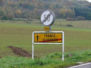 EU eyes emergency Schengen border closures