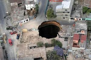 sinkhole-in-guate
