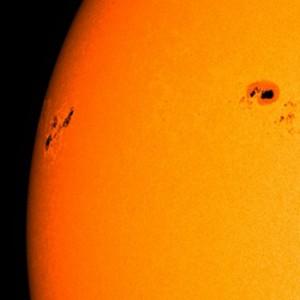 sunspot-ar1748-nasa-sdo