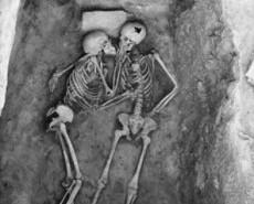 tn_360_6000-year-old-kiss-found-in-hasanlu-iran-1361100092